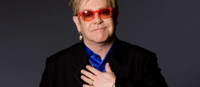 Emotiva publicidad de Elton John para Navidad