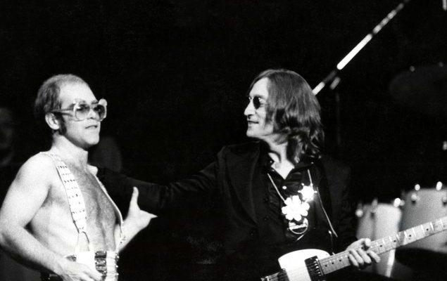 Cuando Elton cantó con John